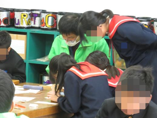 中条小学校にハンコの指導に伺いました。